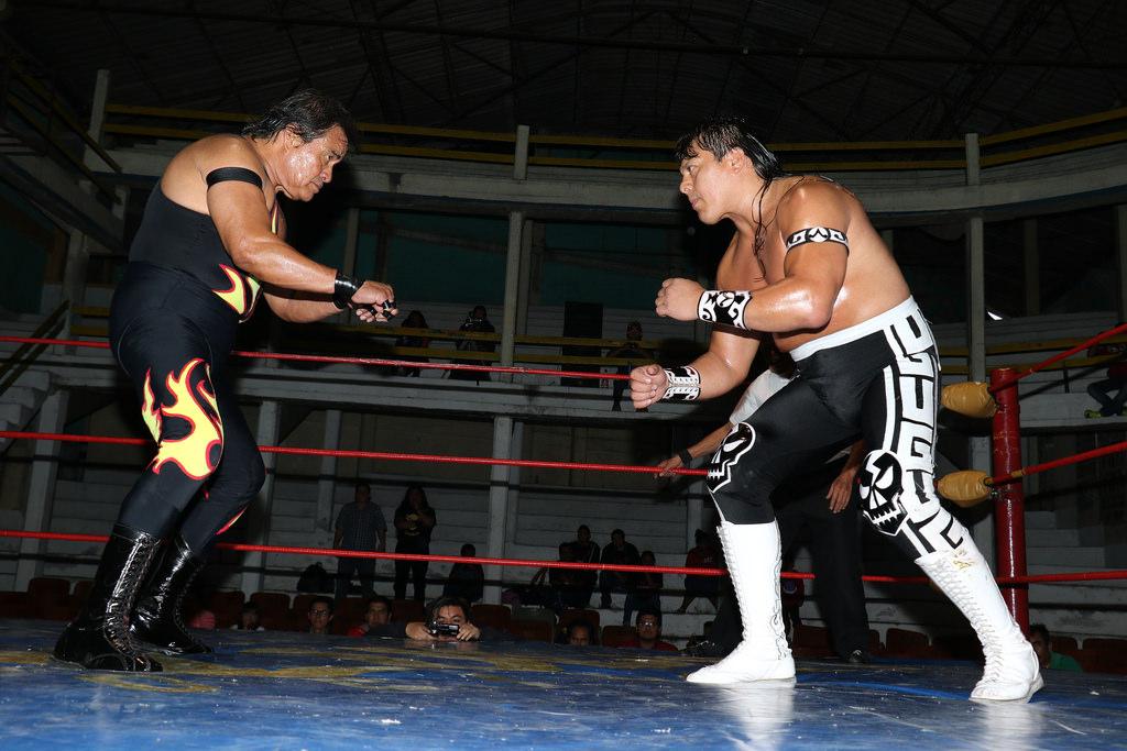 Satanico vs Ultimo Guerrero/photo by Black Terry Jr.